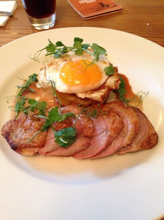 The Crewe Arms: Roast duck, bubble and squeak and duck egg YUM
