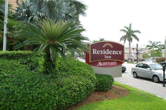 Residence Inn Delray Beach : Front of hotel