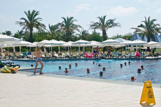 Alva Donna Exclusive Hotel & Spa: Аква-аэробика