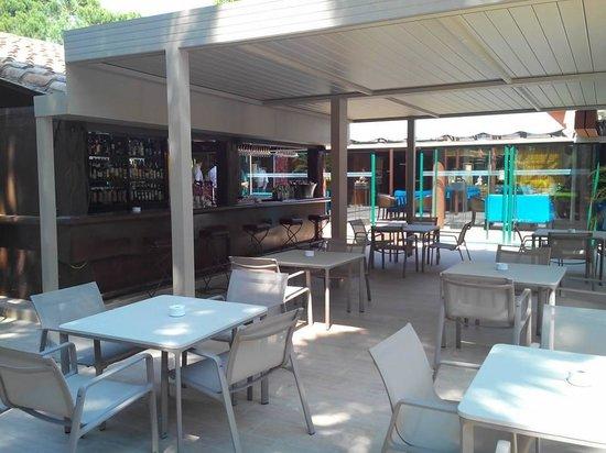 La Villa Duflot: bar lounge exterieur sous pergola