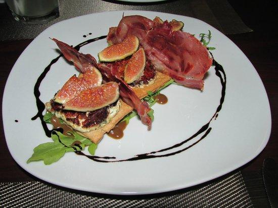 Chango Restaurante: FIGS & GOAT CHESSE TART @ CHANGO