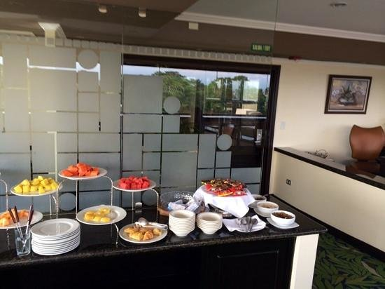 Crowne Plaza Hotel Corobici: Club room 6th floor Crowne Plaza