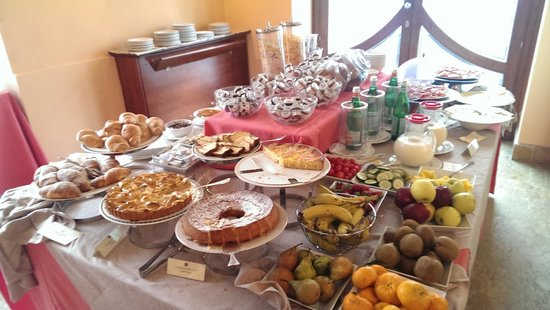 Antico Hotel Roma 1880: Breakfast Buffet