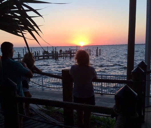 Hurricane Charley's Raw Bar And Grill : Sunset at Hurricane Charley's