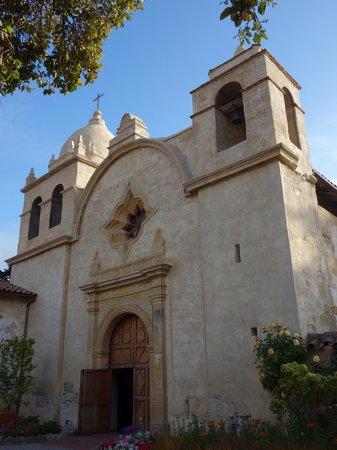 San Carlos Borromeo de Carmelo Mission : Facade, Carmel Mission Church