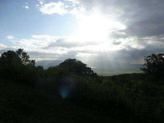 Ngorongoro Sopa Lodge: Sunrise over the crater