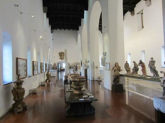 Complesso Museale di Santa Chiara : musée