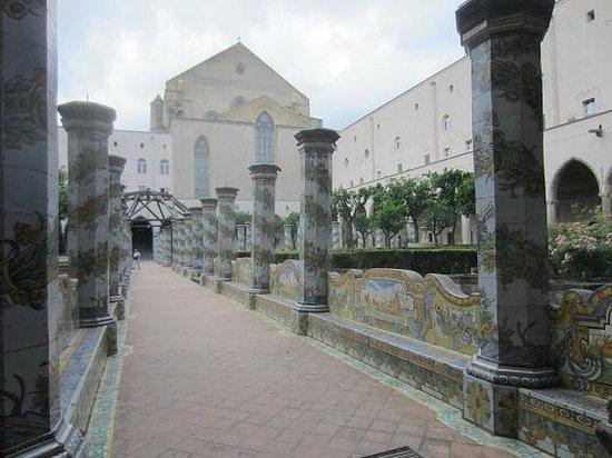 Complesso Museale di Santa Chiara : les colonnes en majolique