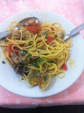 Da Tito al Venezia Restaurant: Spaghetti alle vongole!!