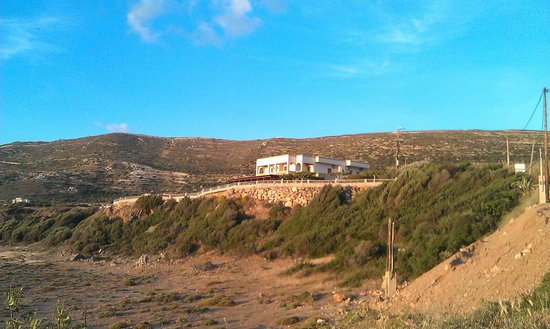 Panorama Hotel: A view of the hotel from the beach