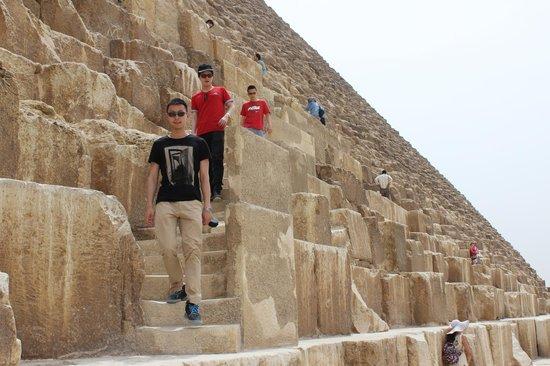 Memphis Tours: pyramids