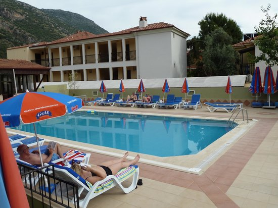 Grand Taner Hotel : pool from balcony