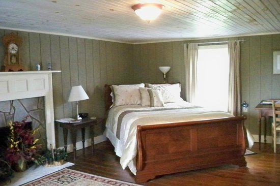 The Rockford Inn Bed and Breakfast : The Vineyard Suite
