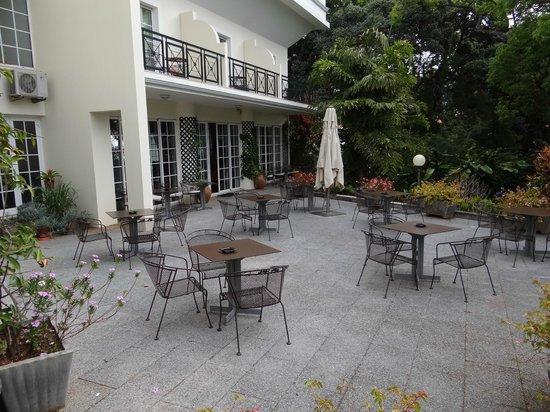 Quintinha Sao Joao: The garden terrace
