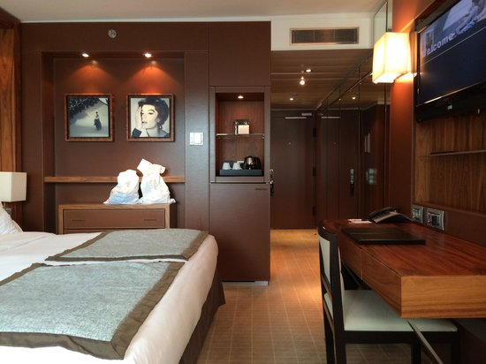 JW Marriott Cannes : First room on 5th floor