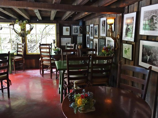 Interior, Deetjenu0027s Big Sur Inn Restaurant
