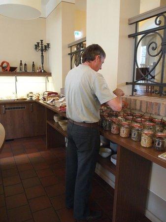 Hotel Am Grossen Waisenhaus: Buffet Beakfast