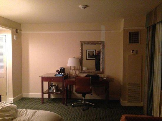 Hilton President Kansas City: my room