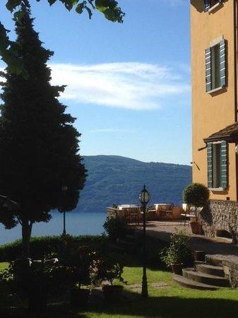 Boutique Hotel Villa Sostaga: Frühstück mit Blick auf den See