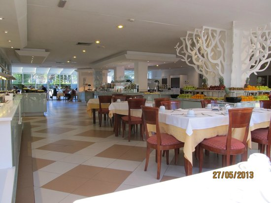 Iberostar Alcudia Park: Der Schlemmersaal ;-)