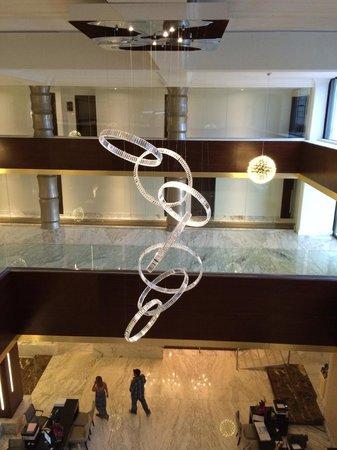 Moon Palace Cancun: The Onion Rings lights in Nizuc lobby