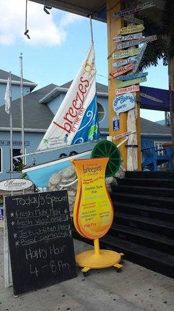 Breezes Bistro ~ Tropical Grill & Rhum Deck : Entry way to Breezes