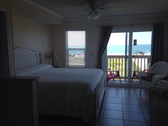 The Saint Augustine Beach House: We loved the room. Very clean & comfortable! Felt like home...