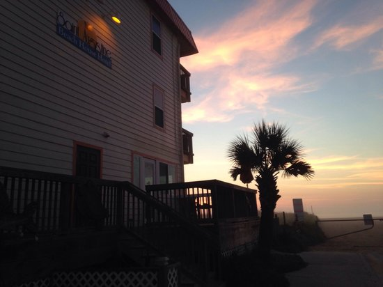 The Saint Augustine Beach House: The beach is right outside your door!