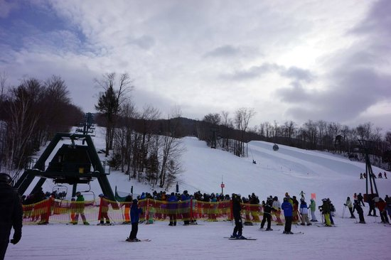 Loon Mountain: Busy Lift Line