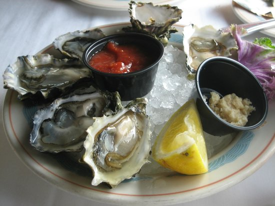 Sea Chest Oyster Bar : Morro Bay oysters