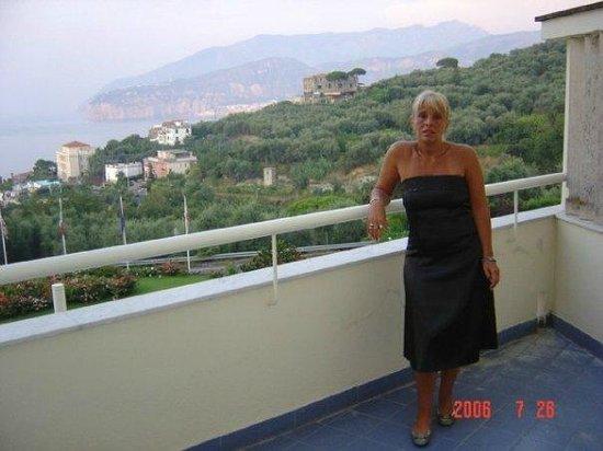 Grand Hotel Vesuvio: en el balcon del Hotel Vesuvio en Sorrento