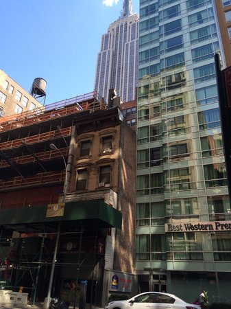 Best Western Premier Herald Square: Street view note the construction site next to the hotel