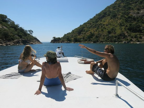 Danforth Yachting: Cruising & snorkling for the day