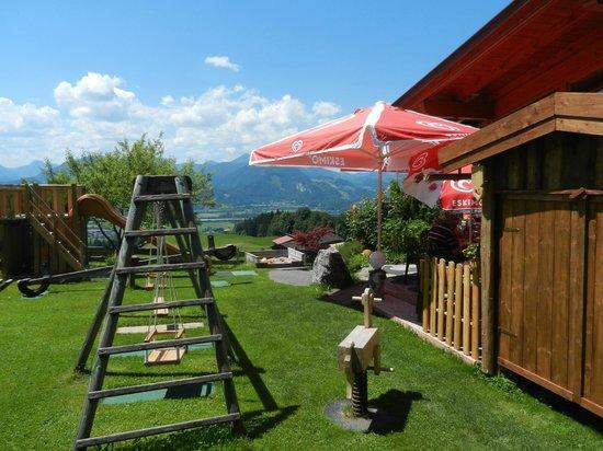 Zacherl Cafe: ... mit Spielplatz