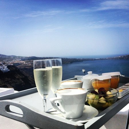Chromata Hotel : Breakfast with a view