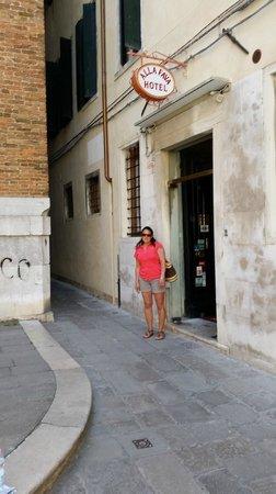 Hotel alla Fava: Front of hotel