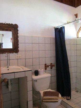 Costanera Bed and Breakfast: bathroom