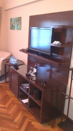 Montecristo Hotel Boutique: Rack de TV
