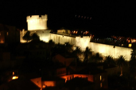 Hilton Imperial Dubrovnik: Fortress at night from balcony
