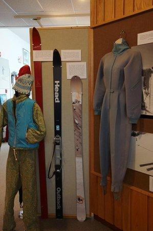 New England Ski Museum: Old Ski Stuff