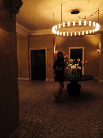 Hotel Cafe Royal: Hallway