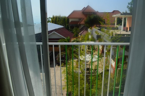MaxOneHotels at Bukit Jimbaran : The view from the balcony