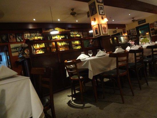 La Esquina de Buenos Aires: Restaurant shot