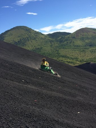Cerro Negro Volcano: Volcano boarding!