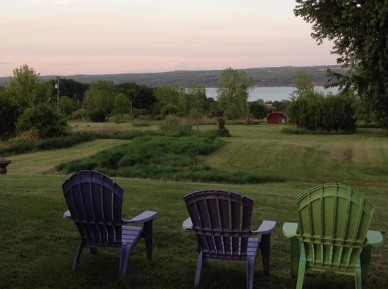 The Savannah House Inn: View of Seneca Lake from The Savannah House