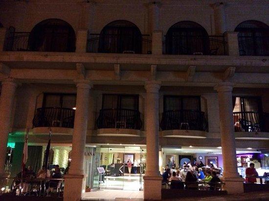 Solana Hotel: Outside the hotel