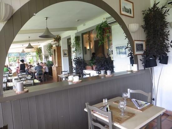 Restaurant Les Remparts : de gezellige zaal
