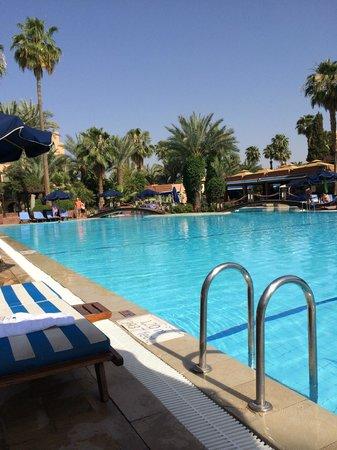 Le Meridien N'Fis : la piscine