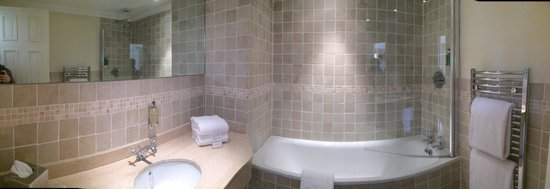 Inglewood Manor: Lovely bathroom