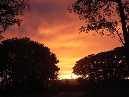 Groarty House & Manor B&B: Sunrise